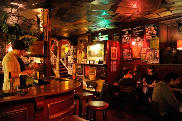 edimburgo pubs singles